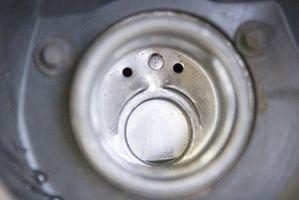 Slik fjerner du en 1991 Toyota Supra Gas Tank