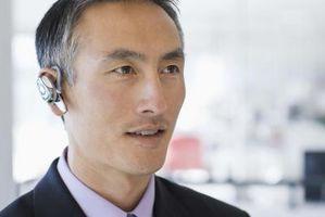 Hvordan koble en Samsung Bluetooth Headset til en Samsung Propel Phone