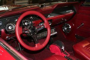 Hvordan erstatte en Mustang Speedometer Cable