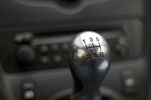 Hva er fordelene ved å kjøre en Stick Shift Car?