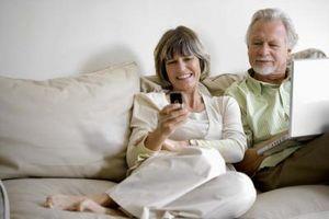Hvordan koble den bærbare til Internett med en mobiltelefon