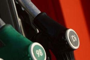 Forskjellen mellom ensfargede Diesel Fuel & Clear