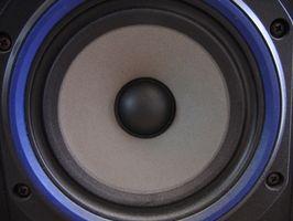 Hvordan lage en høyttaler Box Cover