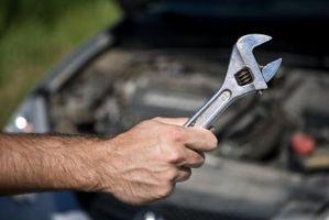 Hvordan endre en dynamo i en Chevy Cavalier