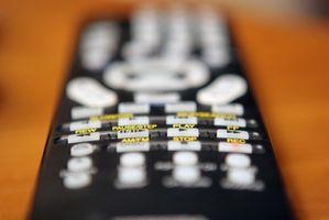 Hvordan skifter batterier Harmony 670 Remote