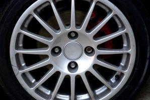 Hvordan du bytter bremsene foran på en 2002 Honda Accord SE