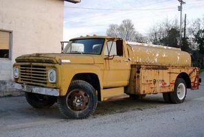 Hva er årsaken til vibrasjon i mitt kalde Truck Engine?
