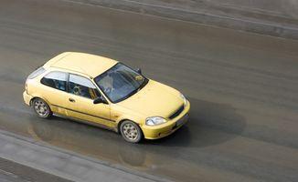 Hvordan sette den 1998 Honda Civic EX Ignition Timing