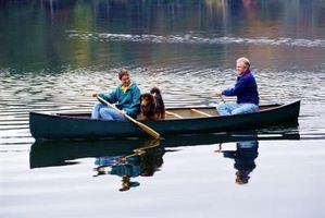 Hvordan Haul en kano på en pickup lastebil