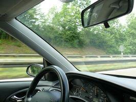 Slik reparerer en Auto Headliner