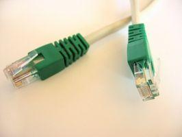Hvordan koble en datamaskin til en DVR med Cat 5-kabel