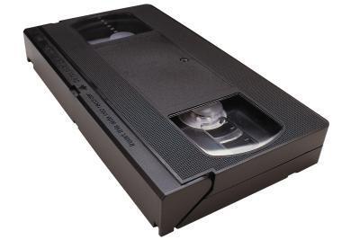 Hvor kaster man gamle vhs kassetter