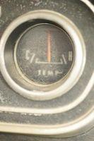 Slik installerer en temperaturmåler på en 1997 Chevy S10