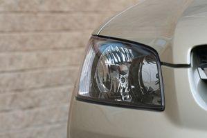 Hvordan justere lyset fra en 1998 Ford F-150