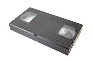 Hvordan rengjøre en GE VHS-kassett-spiller