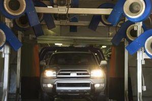 Slik installerer en Brake Lysbryter i en 1999 Chevy Suburban