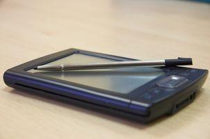 Hvordan bruke en smarttelefon Uten Utgifter