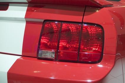 Hvordan Endre Bremser for en 2002 Ford Mustang