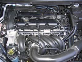 Hva skjer når du putter olje i en varm bil?