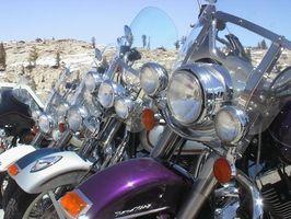Hvordan rengjøre en Harley Davidson Softail Fat Boy