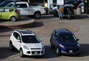 Hvordan Endre baklys på en Ford Escape