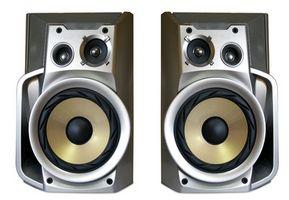 Hvordan kan jeg koble til en MP3-spiller til eksterne høyttalere du?
